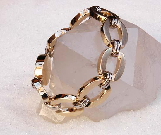 """Anker bracelet in yellow and white gold, model """"Grov Anker"""""""