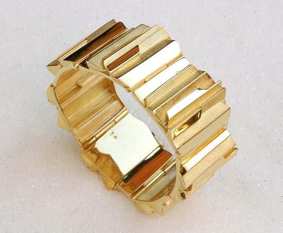 "Bracelet in yellow gold, model: ""Libella""."