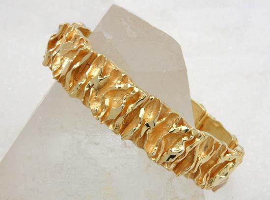 "Bracelet in yellow gold, model: ""Nordlys""."