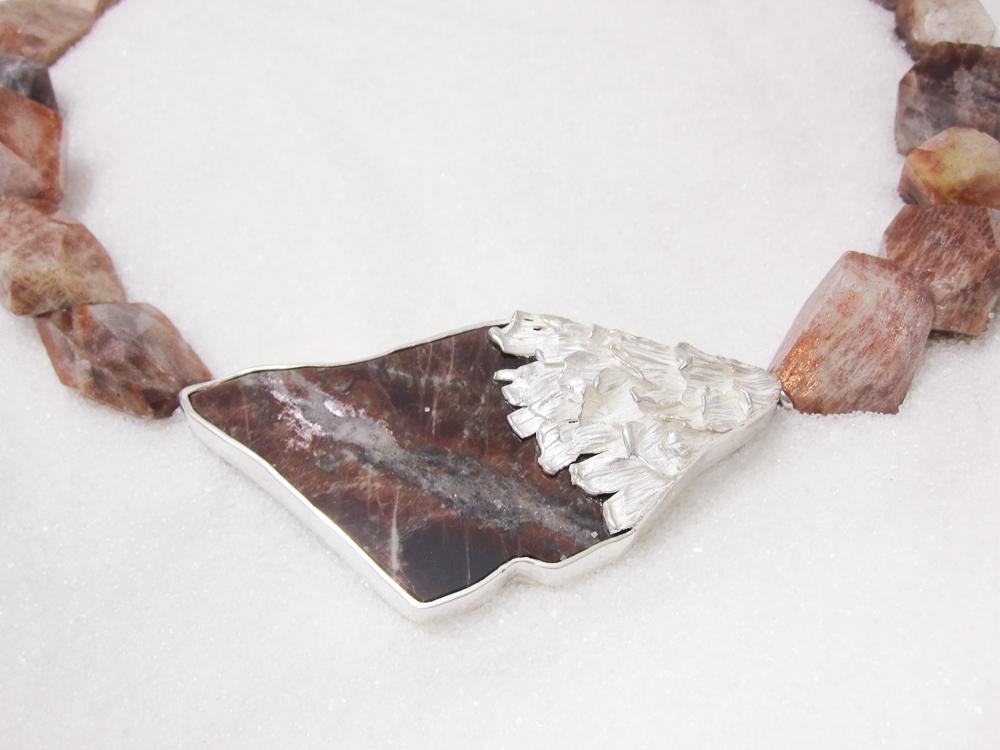 Brosje / Lås i sølv med solstein Bamle-Norge og kjede av solstein