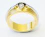 Ring i gult og hvitt gull med diamant