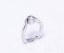 Smidd ring i hvitt gull med diamant