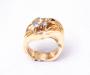 Nordlys Ring i gult gull med 2 diamanter