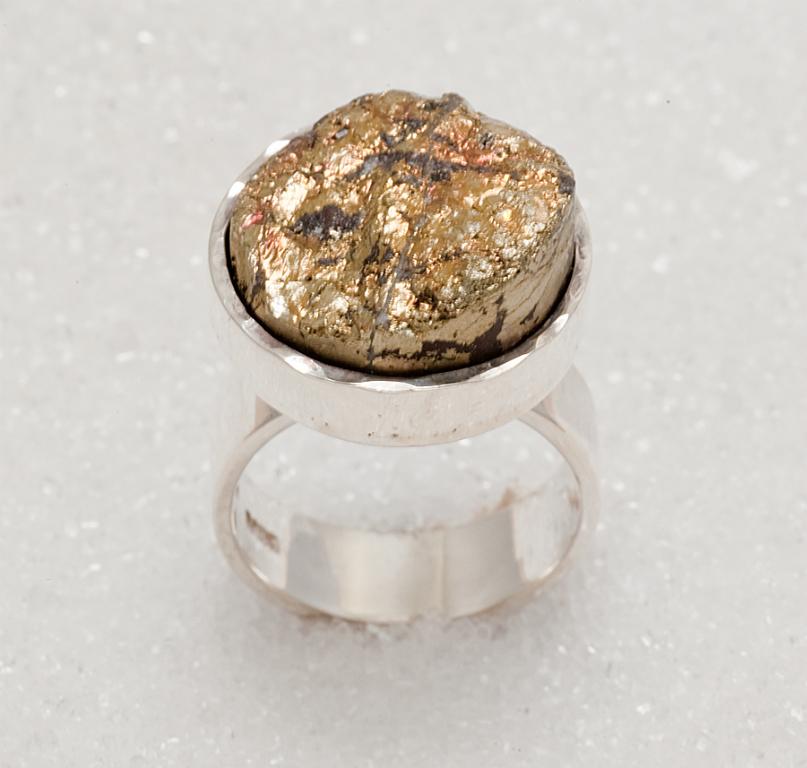Ring i 925S sølv med svovelkis.