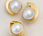 Jewellery set, ring and earrings in yellow gold with South Sea pearls and diamonds.