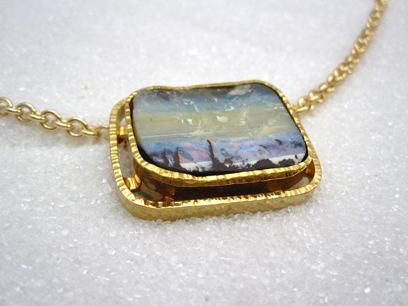 fa6da8ec6 Anheng i gult gull med opal – Donna's Smykkegalleri